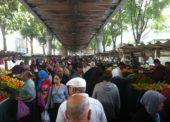 Levný pařížský trh Barbès nabízí exotické pochutiny