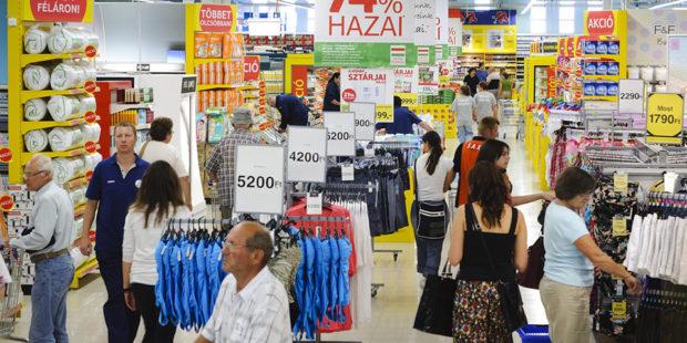 Odejde Tesco z maďarského trhu? Spekulace nekončí