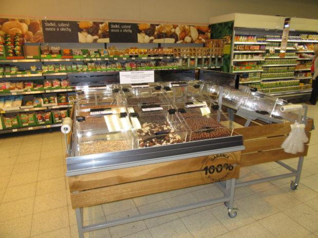 Případová studie: Tesco prodává oříšky a sušené plody z lopatkových zásobníků. Prodeje vyšší desetinásobně