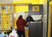 V menších obchodech a na obecních úřadech funguje už 384 poboček České pošty