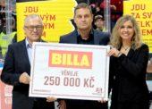 Společnost Billa podpořila sparťanský dorost a předala Nadačnímu fondu HC Sparta šek na 250 000 Kč