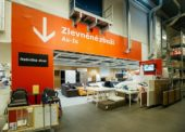 IKEA vykupuje od svých zákazníků starý nábytek. K dostání bude ve všech obchodech řetězce