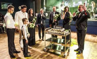 Na 20. plesu společnosti Astur & Qanto vystoupila zpěvačka Lucie Bílá, výtěžek půjde svitavské nemocnici