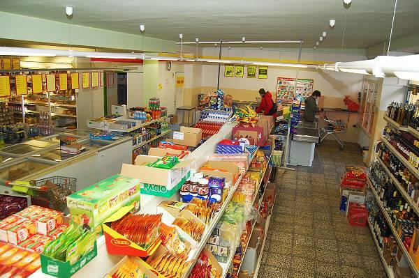 Minulý rok zaniklo více než tisíc prodejen potravin. Nejrychleji mizí nejmenší obchody