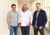 Otec a synové Vodičkovi, rodinná společnost Astur & Qanto: Nebojujeme. Jdeme svojí cestou