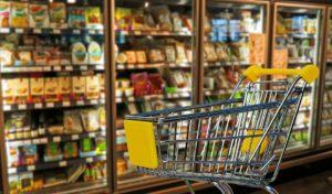 Téměř polovina obchodů chybuje u slev