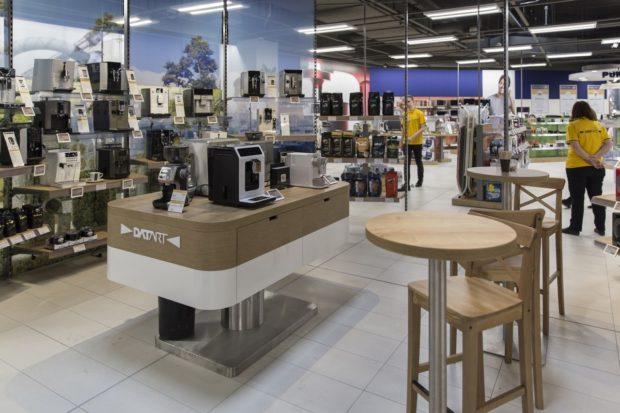 Datart zmodernizoval svou největší prodejnu v pražských Letňanech. Novinkou je cafe plaza