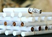 Téměř polovina prodejců tabákových výrobků porušila zákon