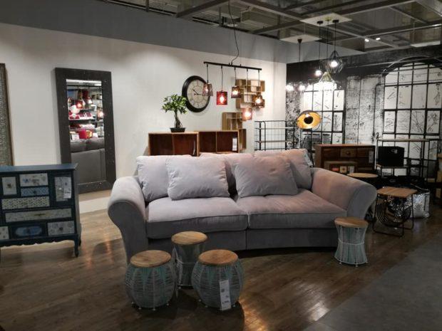 Möbelix otevírá zrekonstruovanou prodejnu v pražských Vysočanech a opouští koncept diskontu