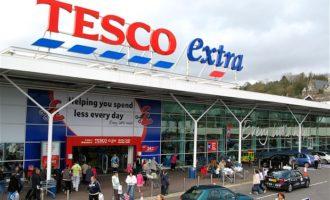 Tesco a Carrefour ohlásily vznik společné aliance. Má jim vyjednat nižší ceny