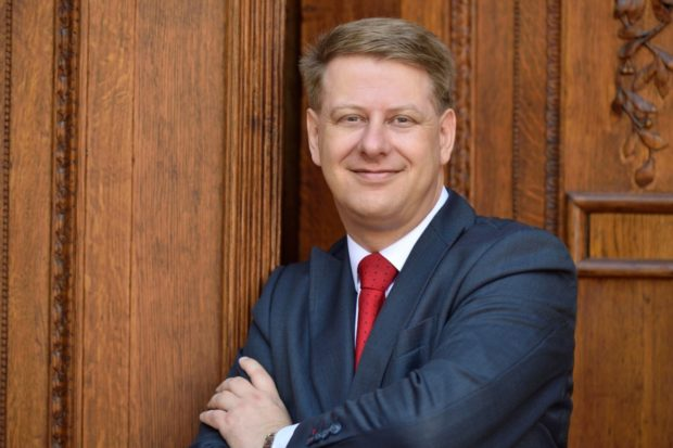 Tomáš Prouza obhájil pozici prezidenta SOCR ČR