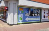 Billa rozšiřuje síť dobíjecích stanic pro elektrokola a elektromobily