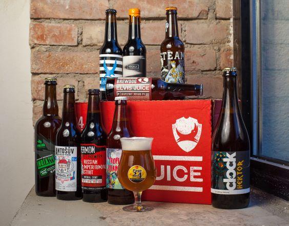 Muži vypijí takřka osm půllitrů piva týdně, ženy skoro tři