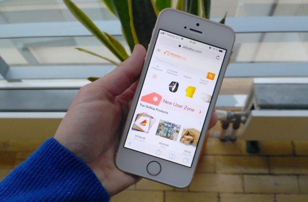 Nákupy z čínských e-shopů podraží. Za pár týdnů se z nich začne odvádět DPH