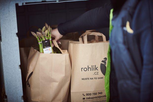Rohlik.cz nabízí i lokální potraviny. Roste zájem o chřest