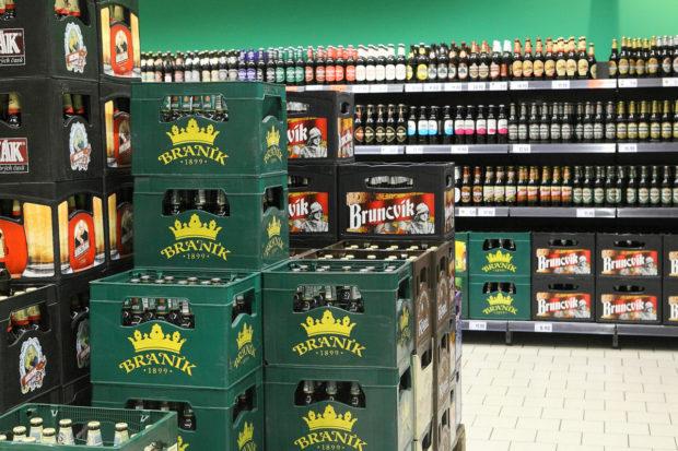 Většina Čechů je v pití piva konzervativní, popularitu ale získává i pestrost nabídky