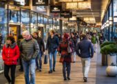 Obliba nočního nakupování roste, nákupní centra reagují