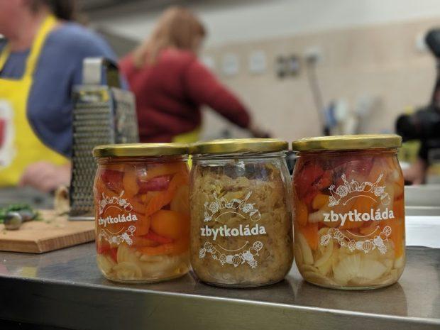 Jak potravinové banky zachraňují jídlo a jak jim mohou obchodníci pomoci