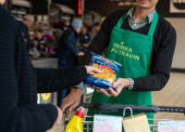 Letošní podzimní Sbírka potravin vynesla rekordních 382 tun zboží pro potřebné