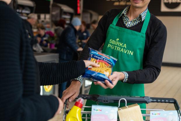 Jarní Sbírka potravin byla kvůli koronaviru zrušena