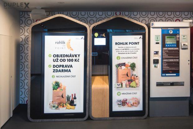 Výdejní boxy Rohlik Point expandují do nákupních center