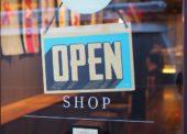 Otevřete další obchody, vyzývají vládu SOCR ČR a UZO