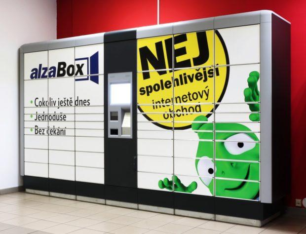 Zákazníci Zásilkovny si mohou nově vyzvedávat zásilky v AlzaBoxech