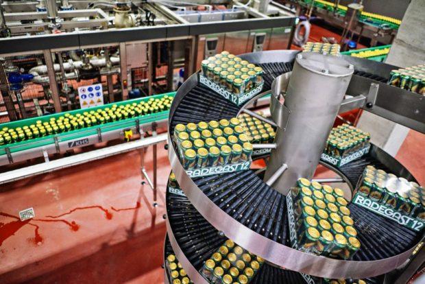 Na nové plechovkové lince stočil Radegast už 100 tisíc hektolitrů piva