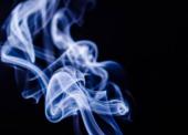 """Konec """"mentolek"""" zasáhne hlavně ženy, kouřit zřejmě nepřestanou"""