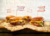 Rostlinný burger od Many míří do gastronomie i retailu