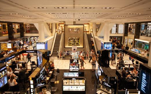 Za nákupy do obchodních center vyrážejí lidé již téměř beze strachu