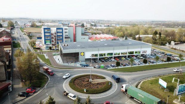 V Uhříněvsi se staví nová dvoupatrová prodejna Lidl