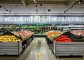 Byl otevřen první obchod s potravinami Amazon Fresh