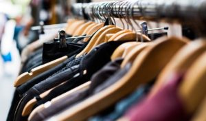 Alza rozšiřuje partnerský prodej. Ve spolupráci se Zootem začíná nabízet módu