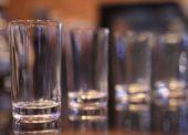 V Česku se loni vypilo meziročně o 2,4 milionu litrů lihovin méně