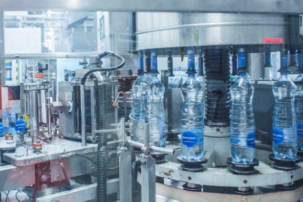 Coca-Cola uvádí na český trh vody Natura ve 100% recyklovaných PET lahvích
