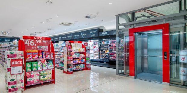 Rossmann otevřel v Praze na Andělu svou první dvoupatrovou prodejnu v ČR