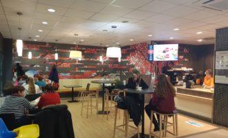 Coop rozšiřuje některé své prodejny o kavárny