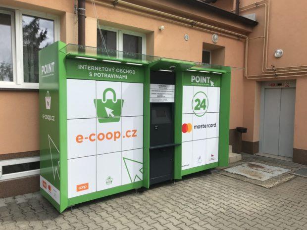 Coop testuje samoobslužné výdejní boxy v menších obcích