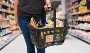 Billa nasazuje nákupní košíky z recyklovaného plastu