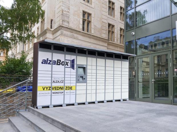 AlzaBoxy mohou nově využívat e-shopy a dopravci