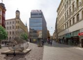První dvoupatrová prodejna Lidlu se otevírá v centru Brna